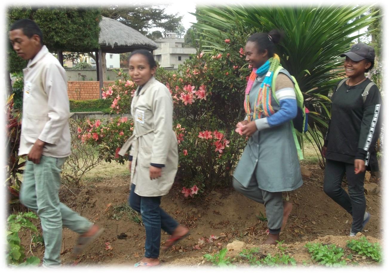 Les jeunes au centre social d'Ambatofotsy